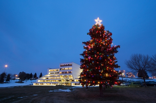 Christmas tree decorating at Basin Electric (Video)
